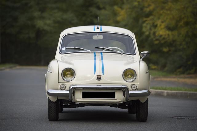 DAUPHINE  R1093 1962 Entièrement restaurée, état superbe