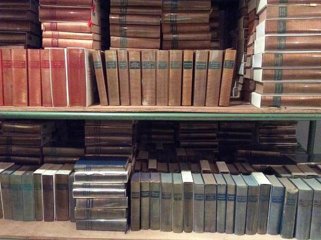 [PLÉIADE]. Environ 590 livres, dont 34 albums de la « Bibliothèque