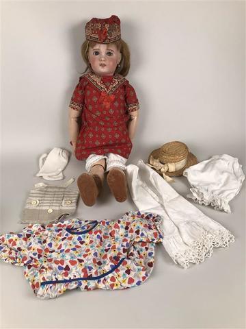 SFBJ. Grande poupée tête porcelaine bouche ouverte. Yeux dormeurs
