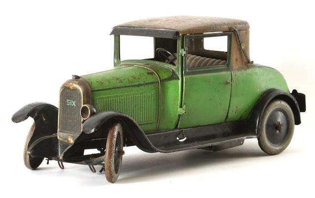 Jouets André Citroën : Faux cabriolet C6 (circa) 1928, vert et marron,