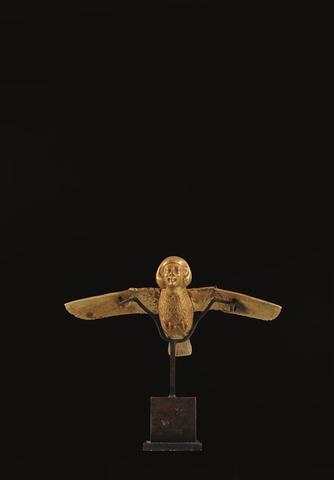 Important bijou : L'oiseau Bâ (L'âme du défunt) en or, traces de