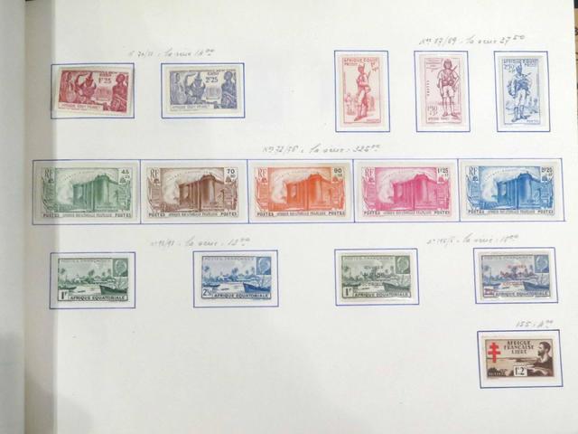 Collection de timbres des anciennes colonies françaises en deux albums