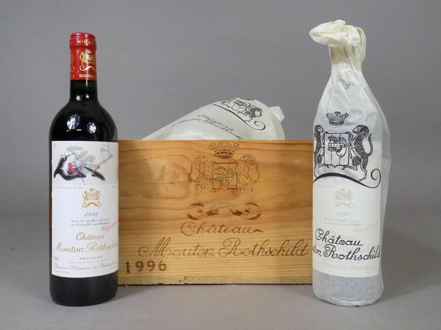 12 bouteilles CH. MOUTON ROTHSCHILD, Pauillac, 1996. cbo