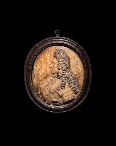 ECOLE FRANCAISE CIRCA 1700 Portrait de Philippe V roi d Espagne (1683-1746) Médaillon