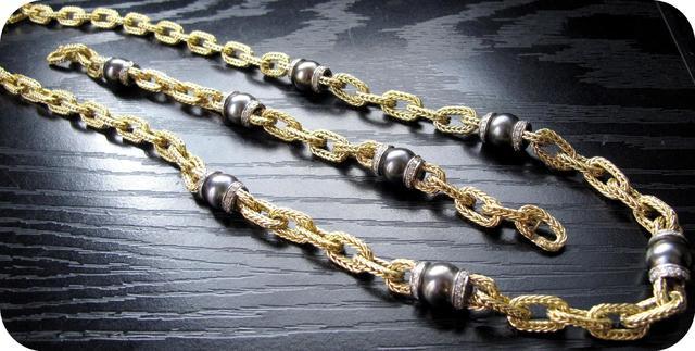 1 sautoir orné de perles de Tahiti et de brillants, 103.5g or 750