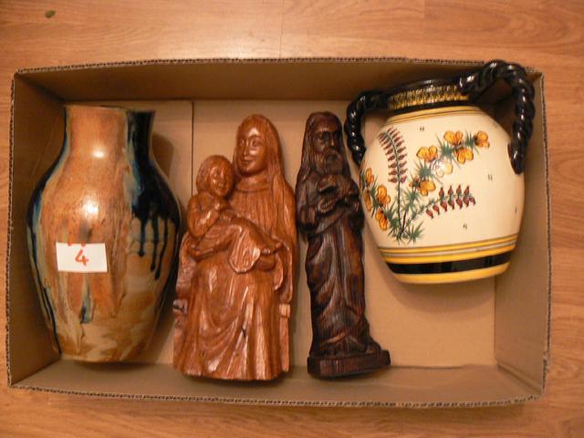 LOT  de vase en grès flammée, Vierge à l'Enfant et statuette de