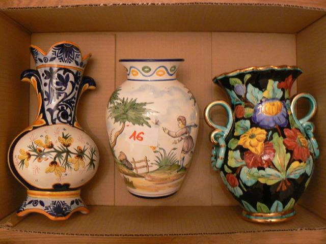 LOT de 3 vases en faïence : HB Quimper ; Montagnon Nevers ; Monaco.