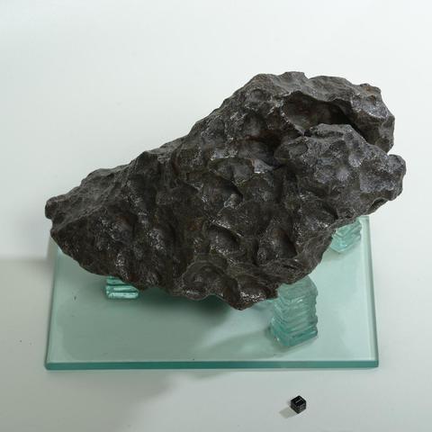 Exceptionnelle météorite ferreuse, Campo del Cielo, octaédrite