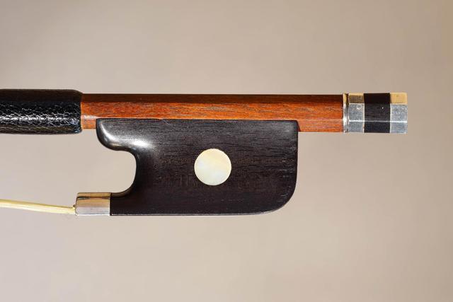 Très intéressant archet de violoncelle de François Xavier TOURTE,
