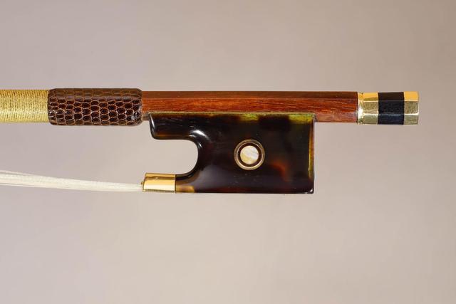 Très intéressant archet de violon de Dominique PECCATTE, monté