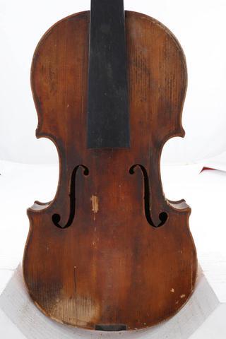 Violon de REMY fait à Mirecourt vers 1880. Différentes restaurations