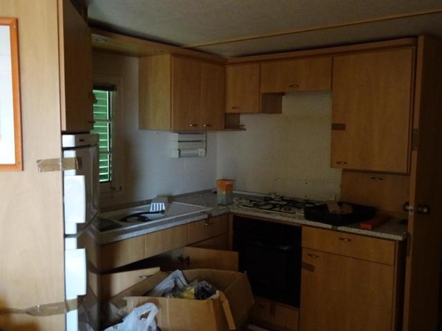 Mobil-home 39m² comprenant séjour, 2 chambres, cuisine avec frigo ...