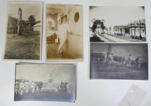 Vente Photos-livres-timbres-cartes postales-vieux papiers Pour inclure