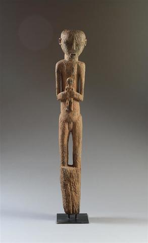 Important poteau-sculpture funéraire, Bongo, Soudan Bois lourd raviné