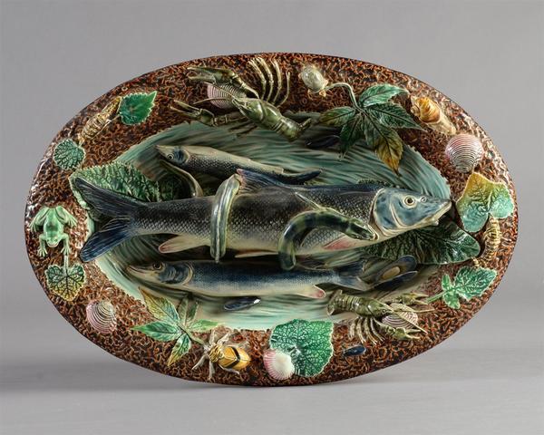 CHOISY-LE-ROI - Hippolyte BOULENGER Plat décoratif ovale, en faïence