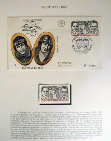 FRANCE. Lot de 13 albums de 1er jour et  documents divers et timbres.