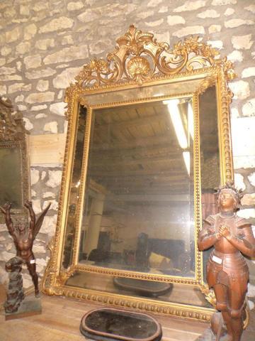 Glace  en bois stuqué à parecloses et glaces bizeautées 150 x 98