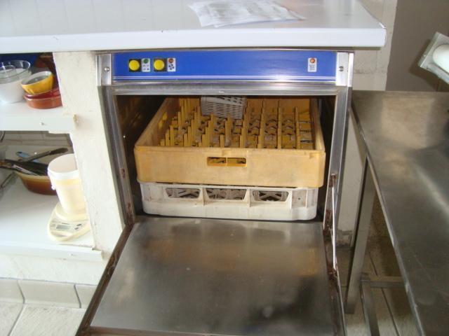 suite LJ mobilier et matériel  d'une pizzéria. détail sur liste