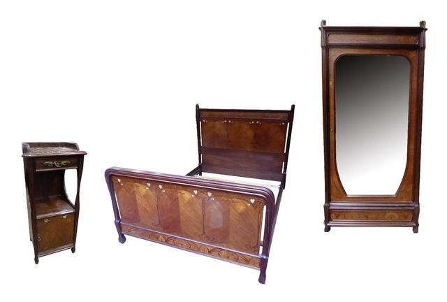 Louis MAJORELLE (1859-1926) Mobilier de chambre à coucher aux Pavots