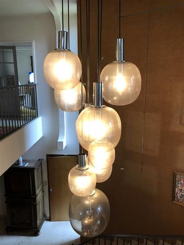 RAAK Editeur (Attribué à) IMPORTANT LUSTRE composé de neuf lumières